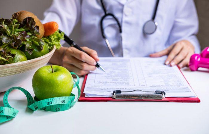 A importância de estar com boa saúde antes da cirurgia plástica