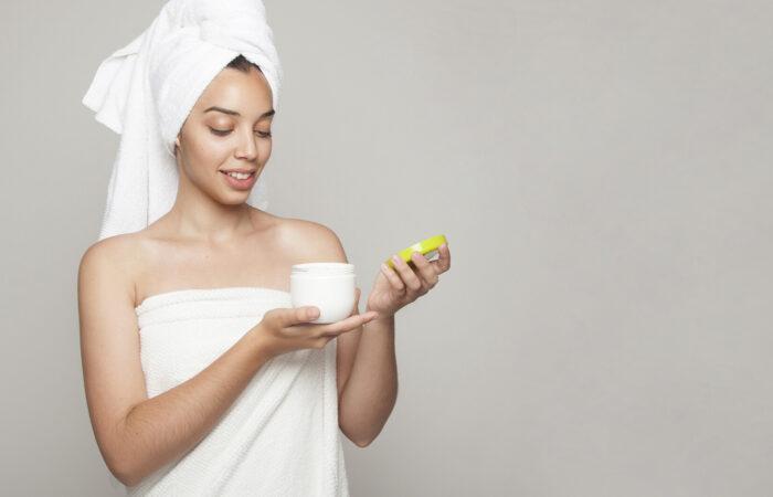 Hidratação da pele das mamas após mamoplastia